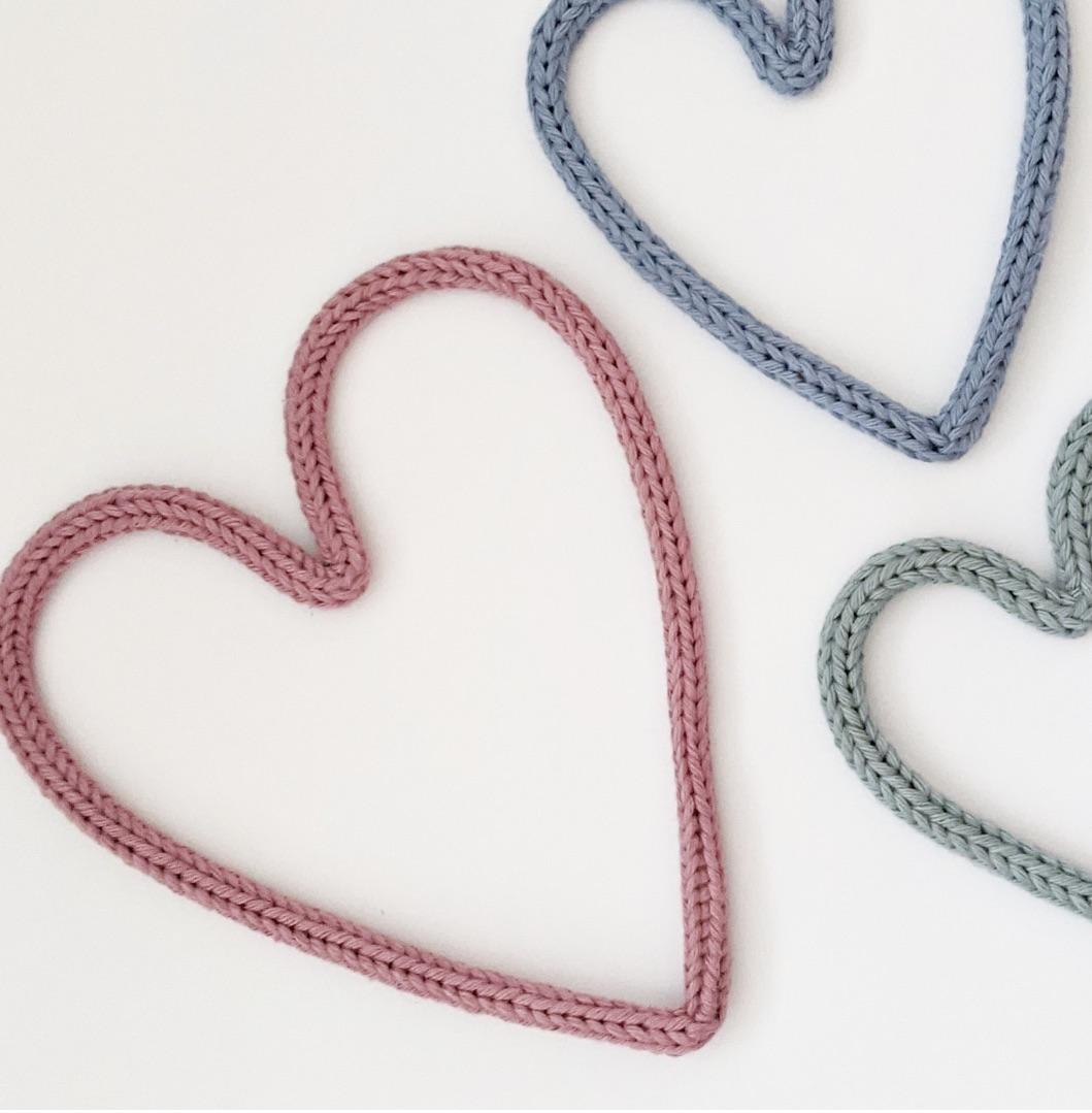 Midi wire heart prop